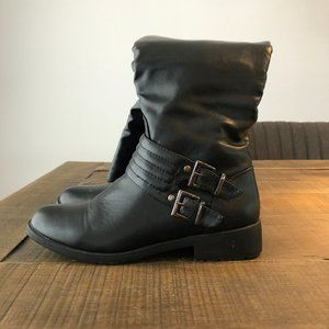 ⭐️ 2/$20 ⭐️ Black Fitted Boots, Medium Height